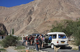 jeep tours in ladakh