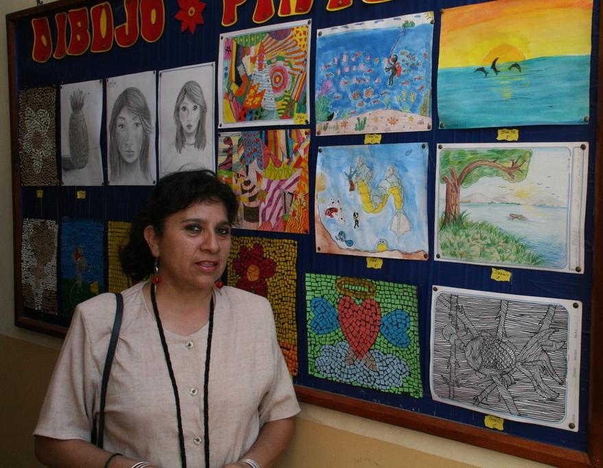 Kunstwerke mit Lehrerin