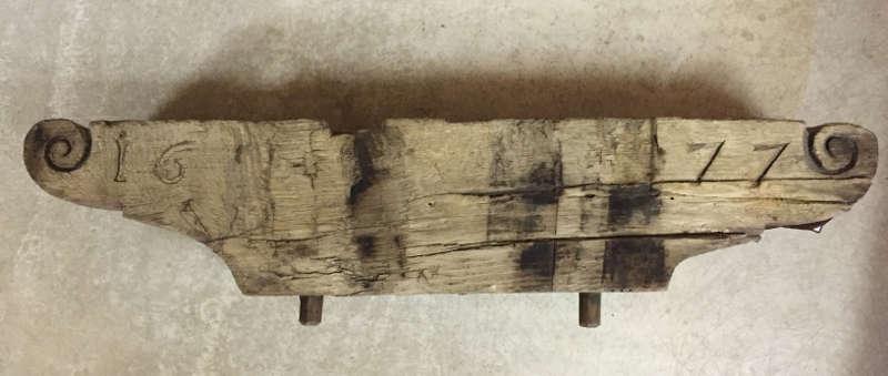 Ehemaliges Glockenjoch aus dem Jahre 1677