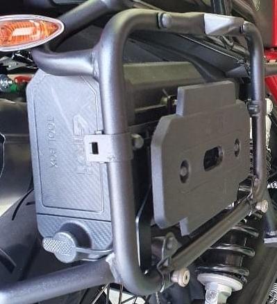 Givi tool box - Guzzi V85