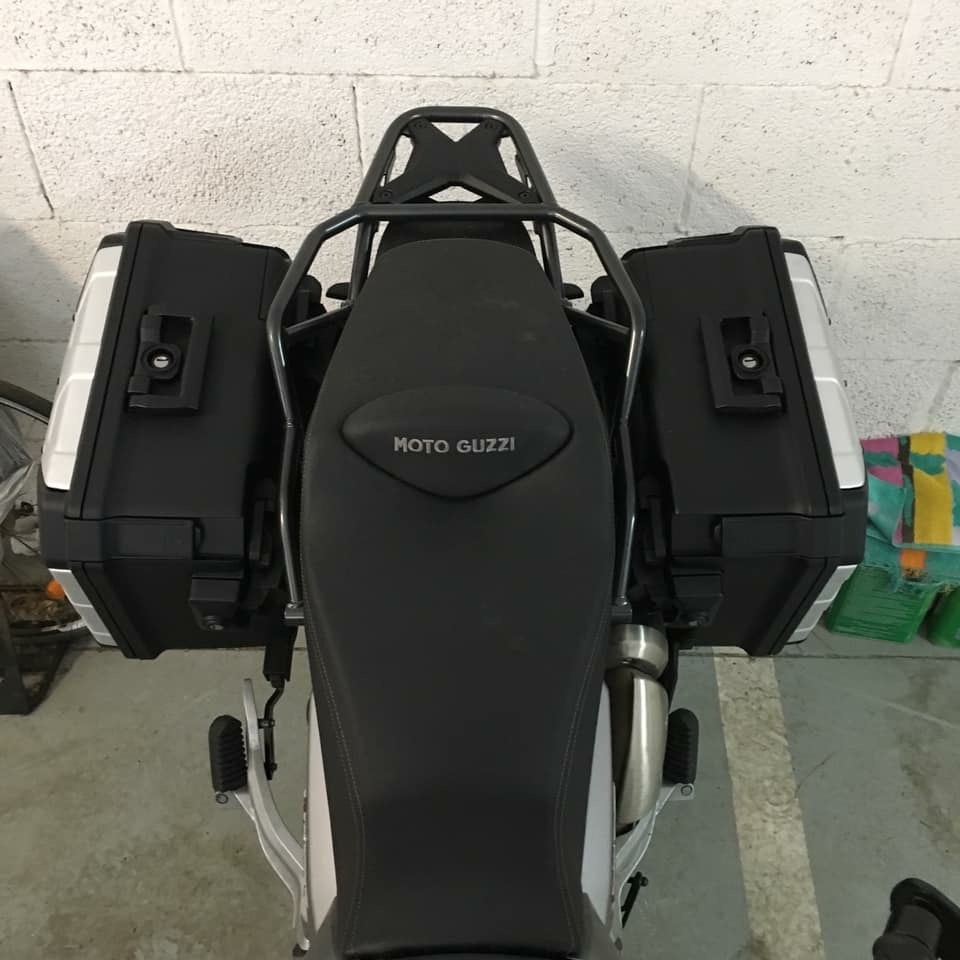 Mounted Urban-boxes - Guzzi V85