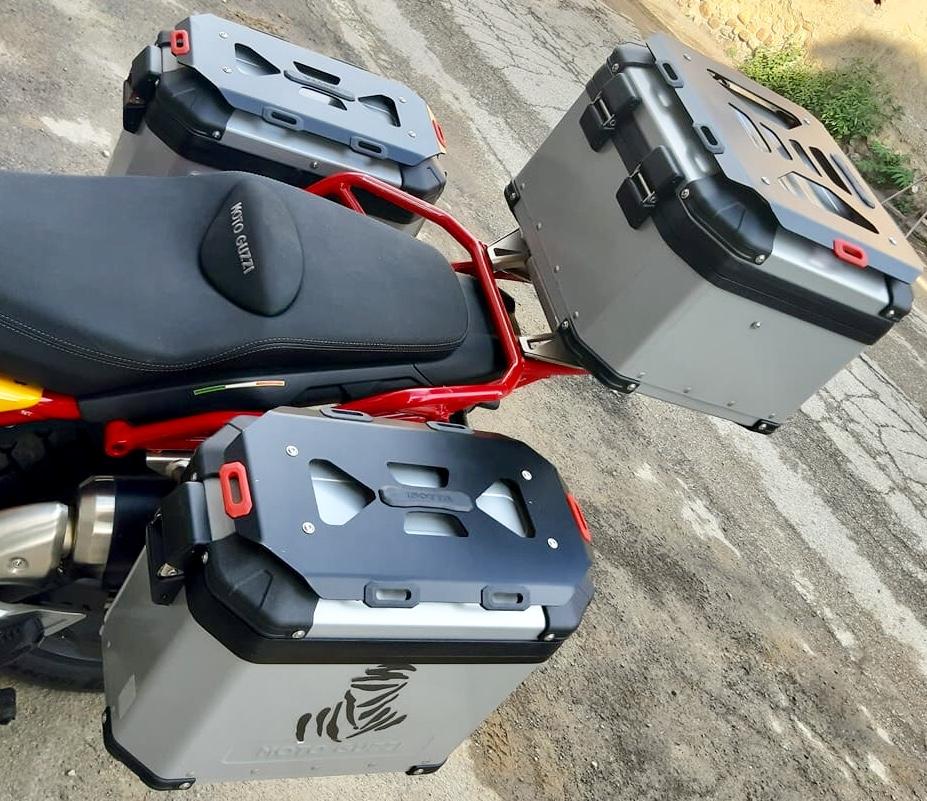 Isotta Touring box covers - Guzzi V85