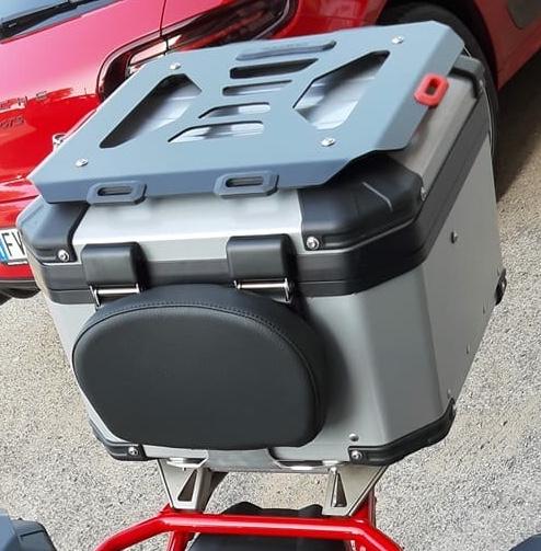 Isotta back pad for top case - Guzzi V85